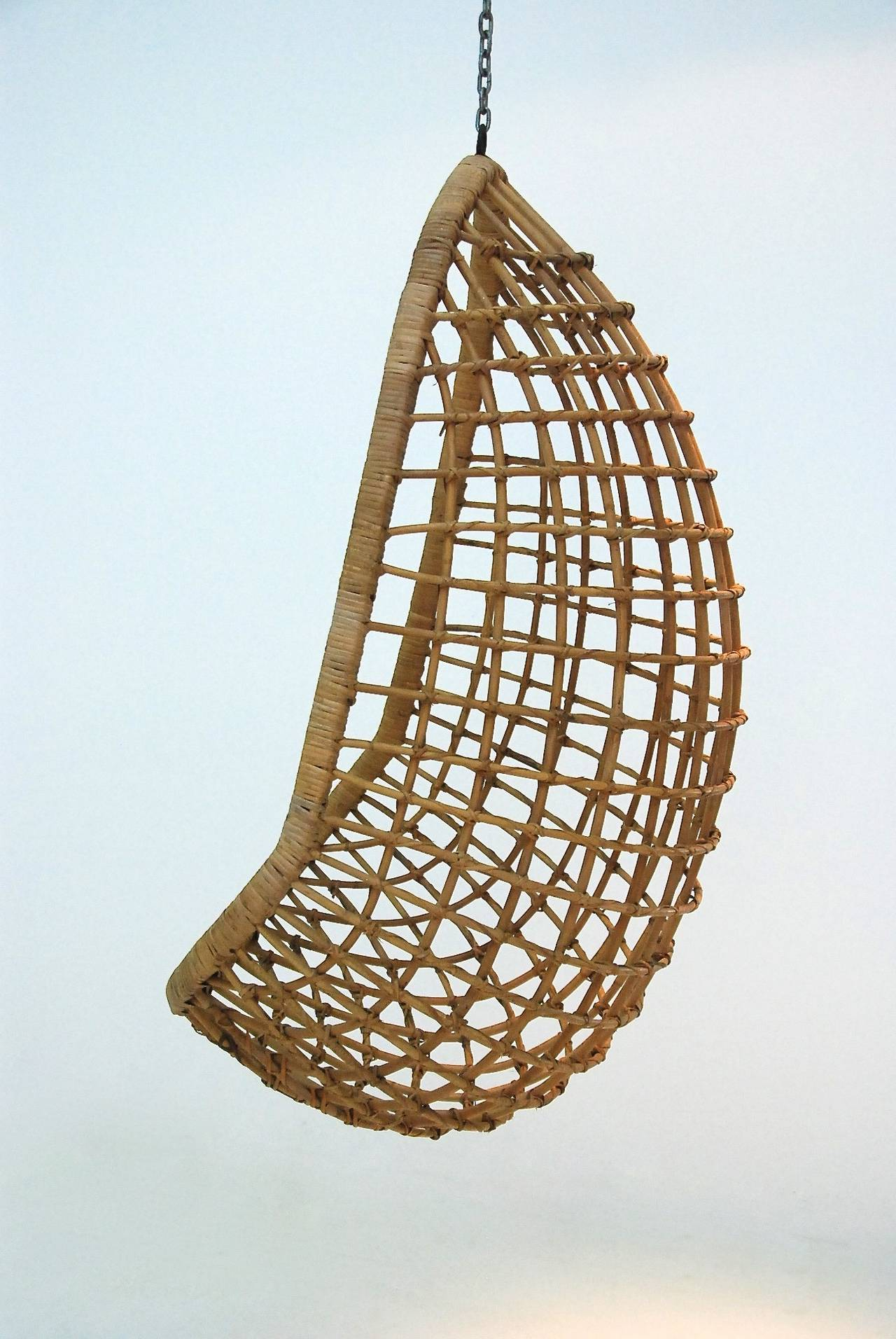 hanging chair wicker what is a rail height at 1stdibs
