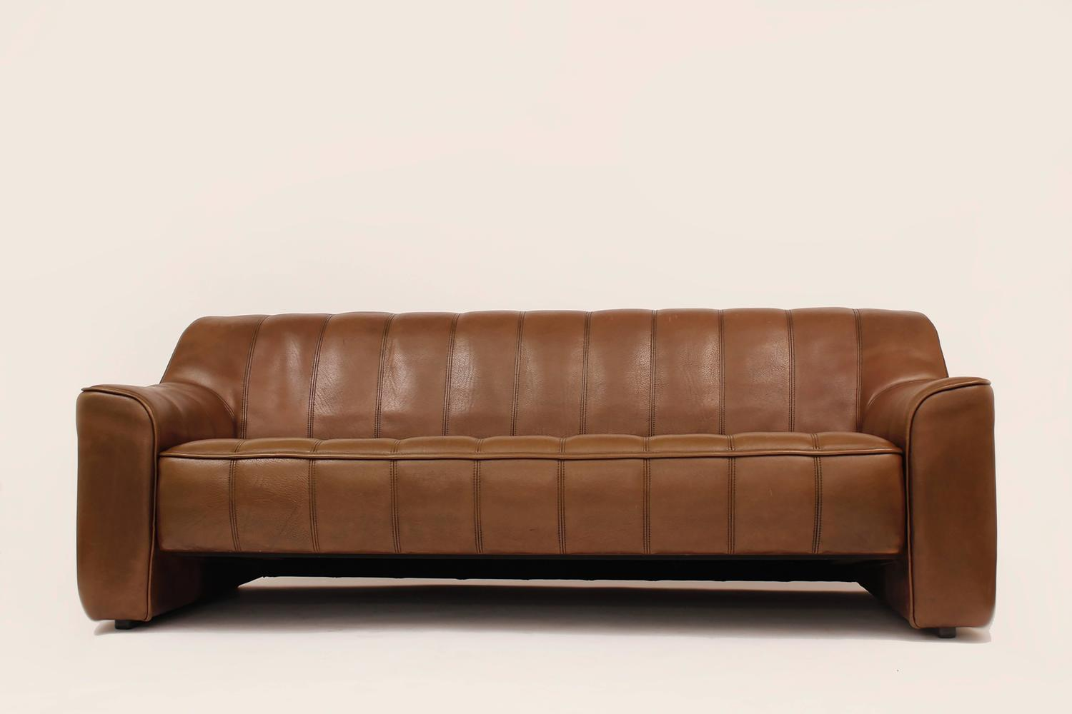 buffalo leather chair mustard yellow bean bag three seater ds 44 sofa by de sede