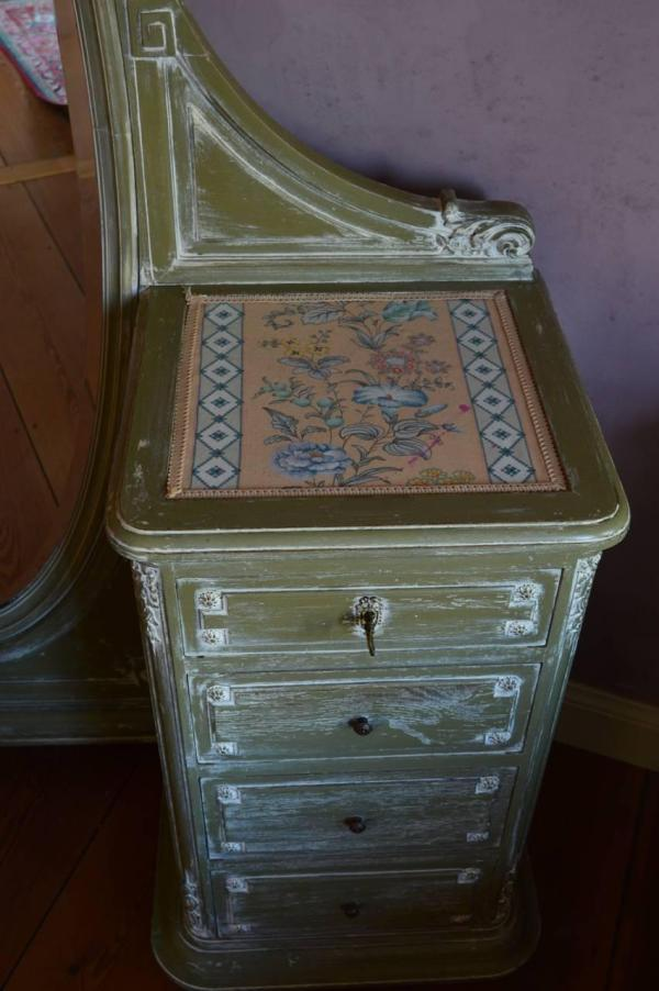 French Louis Xvi Style Painted Vanity Dressing Table
