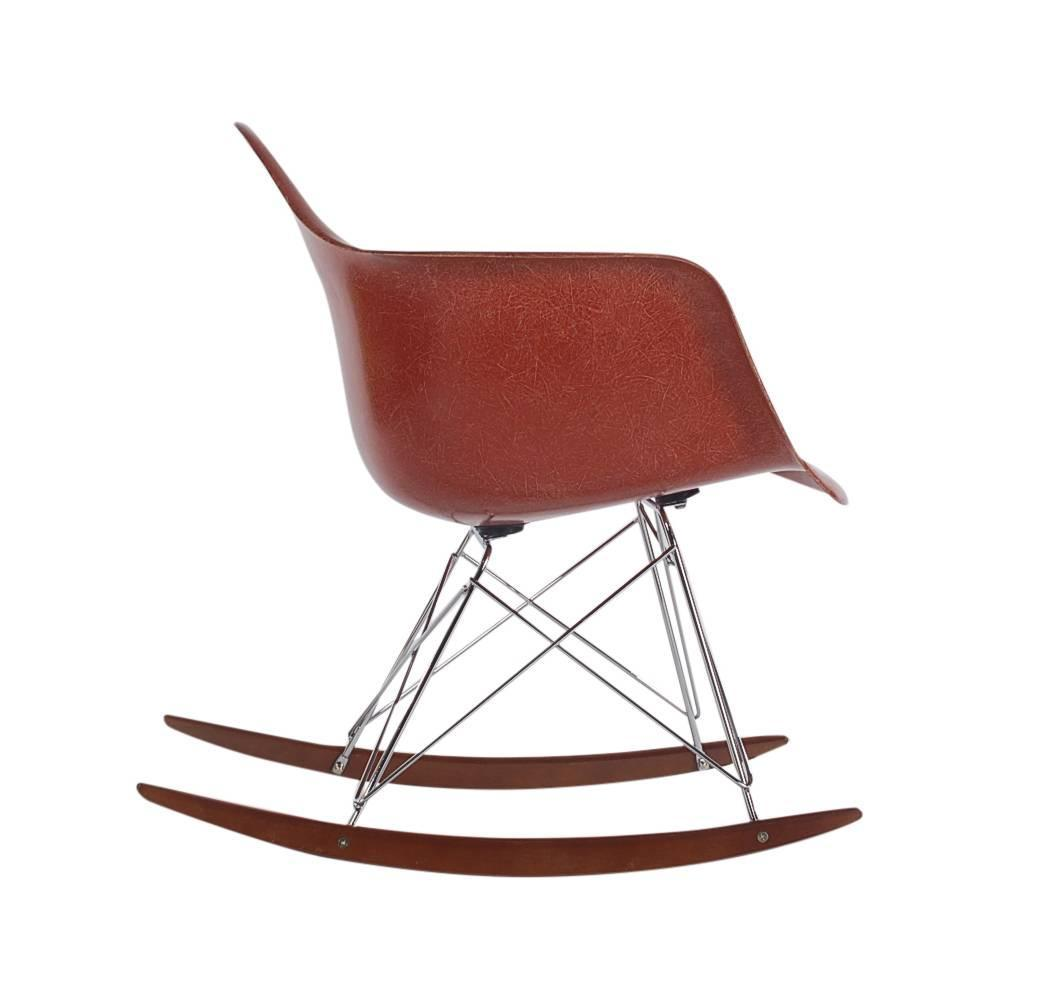 herman miller eames chair replica living room chairs canada mid century fiberglass rocking lounge