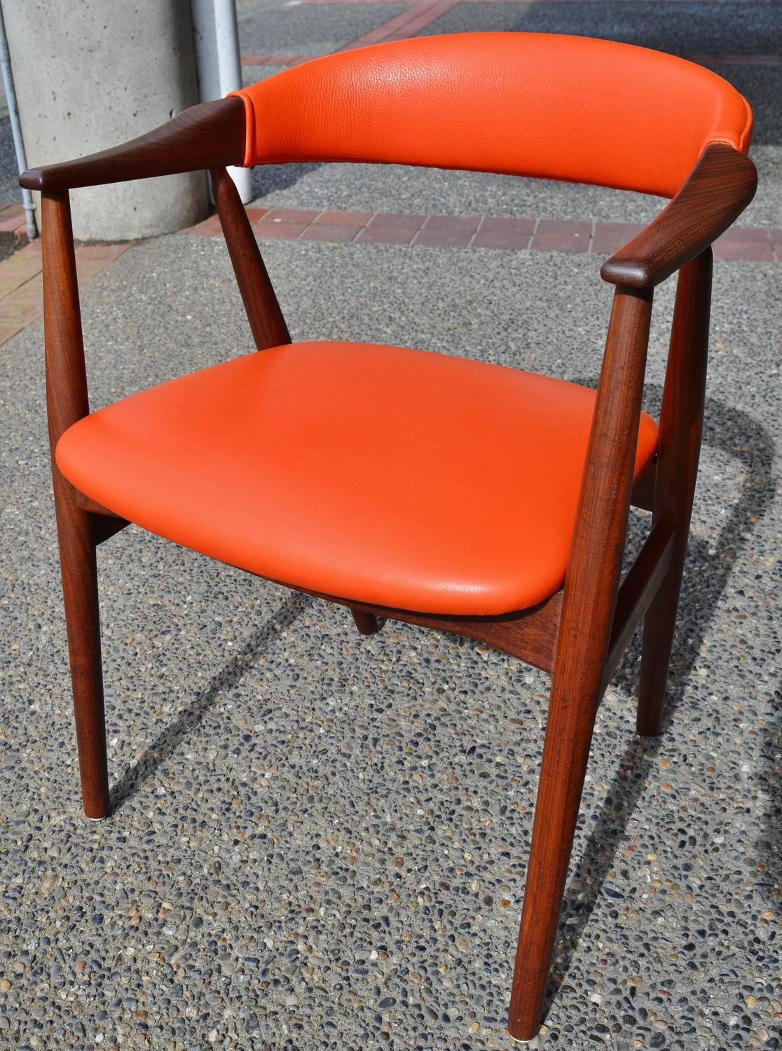 orange leather chairs chair covers yes or no kai kristiansen curved back desk side