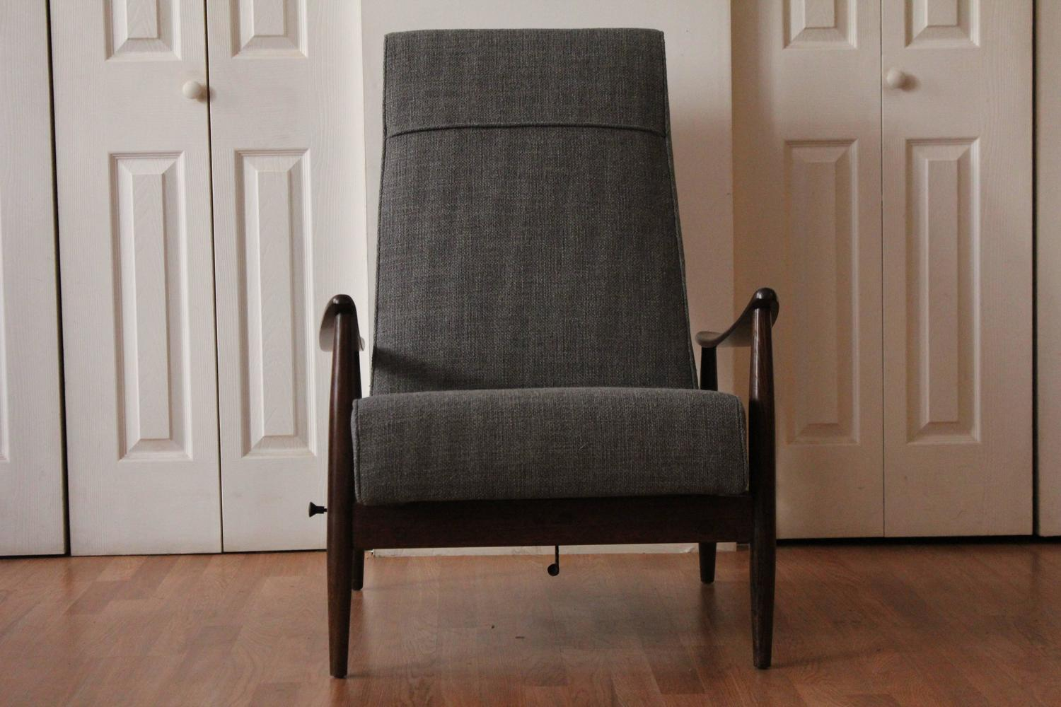 correct posture lounge chair white and wood chairs milo baughman 5 position recliner at 1stdibs