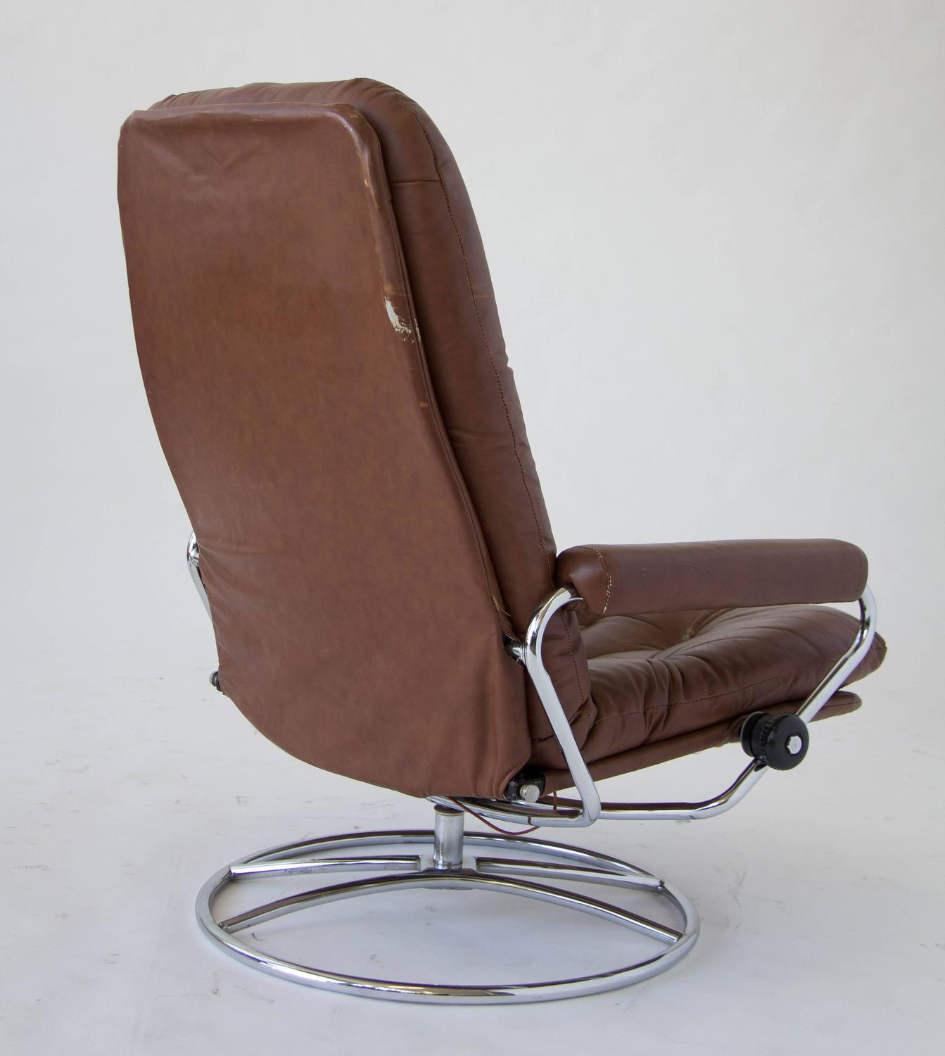 Ekornes Chairs Ekornes Stressless Chair And Ottoman For Sale At 1stdibs