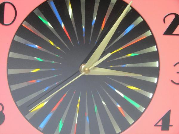 1950s Kaleidoscope Clock With Psychedelic Starburst 1stdibs