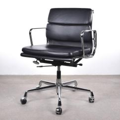 Vitra Office Chair Bentwood Thonet Chairs For Sale Eames Ea217 Management Soft Pad At 1stdibs