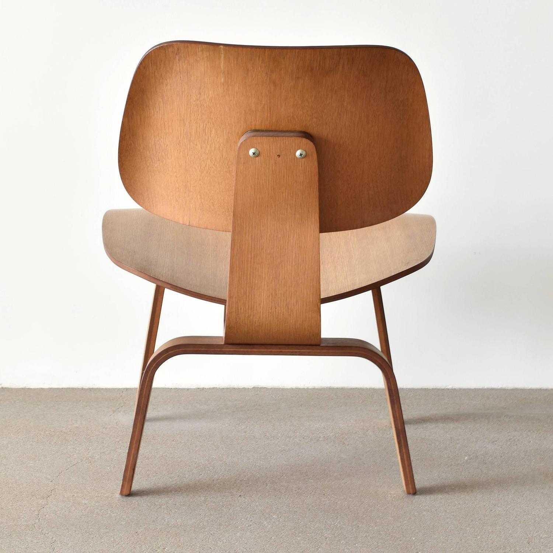 eames lcw chair stapleford ergonomic executive herman miller usa oak lounge at 1stdibs