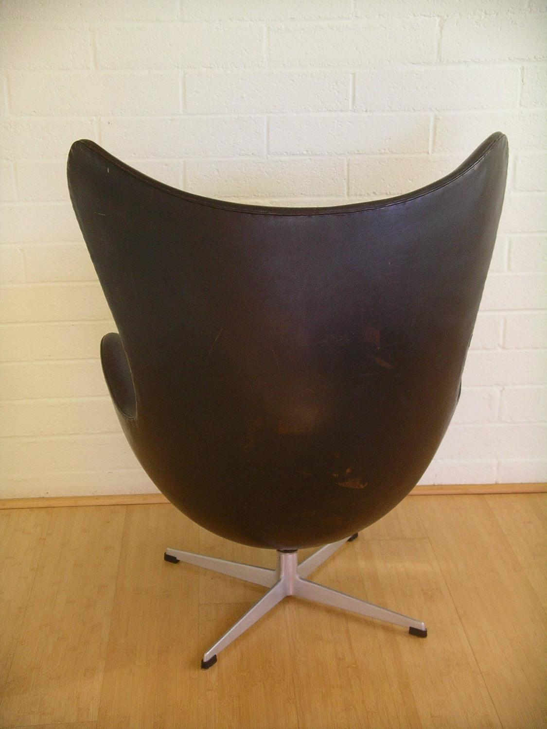 mid century egg chair armless rocking arne jacobsen cast aluminum and leather