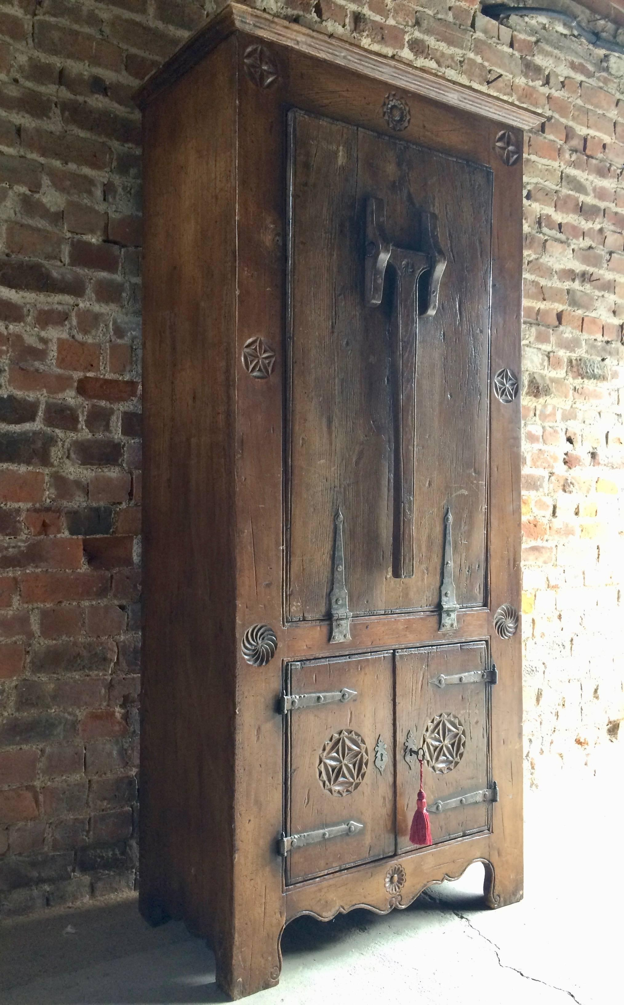 Rare 16th Century Dutch Solid Oak Cupboard Featuring Drop
