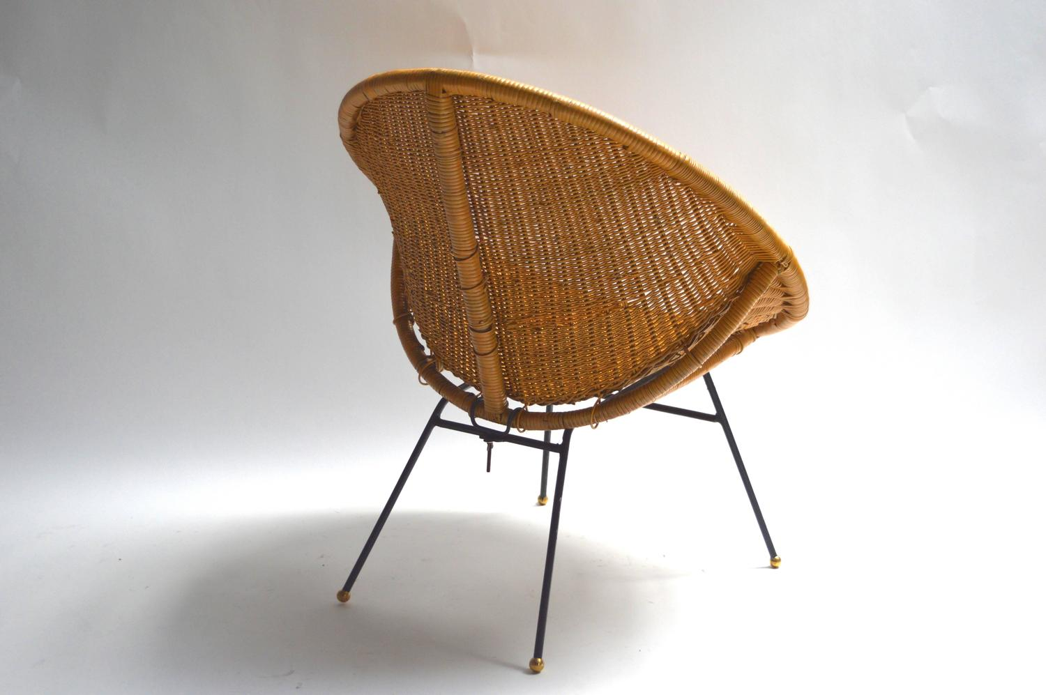 Pod Chairs Pair Of Wicker And Rattan Pod Chairs For Sale At 1stdibs