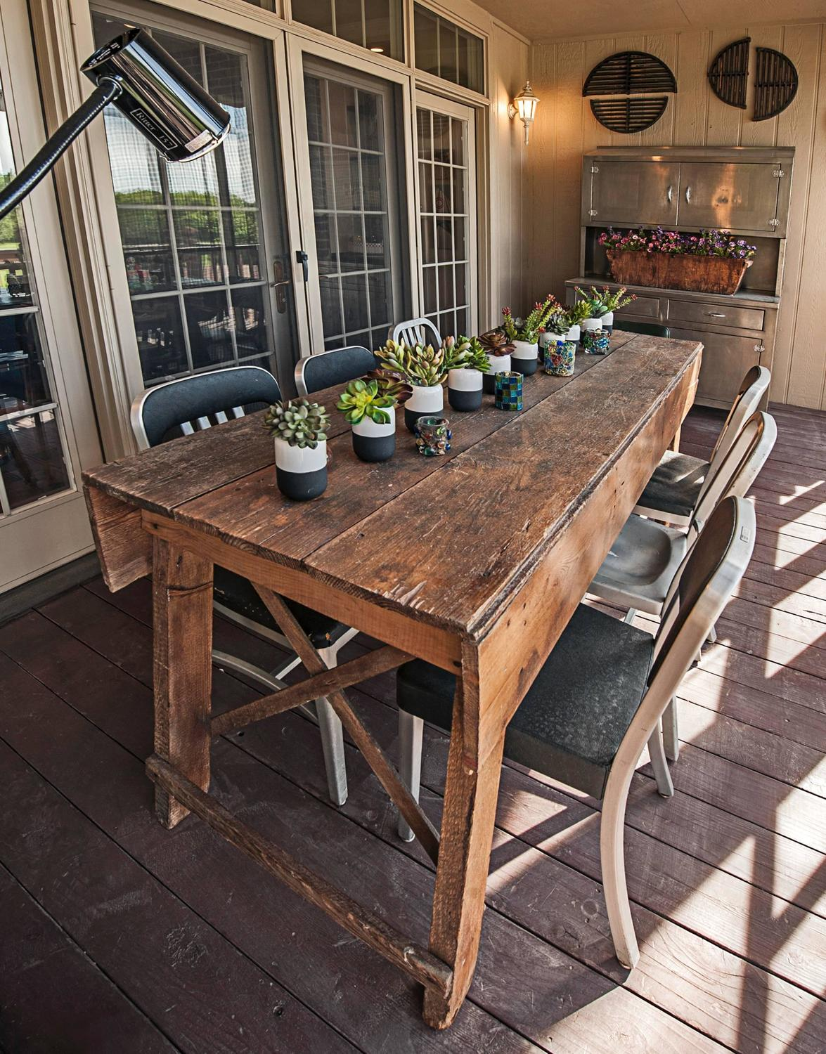 Primitive Industrial Farmhouse Style Dining Table