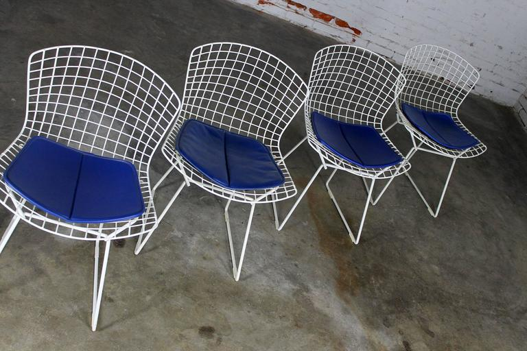 mid century modern wire chair elegant covers for sale four bertoia white side chairs at 1stdibs in good condition