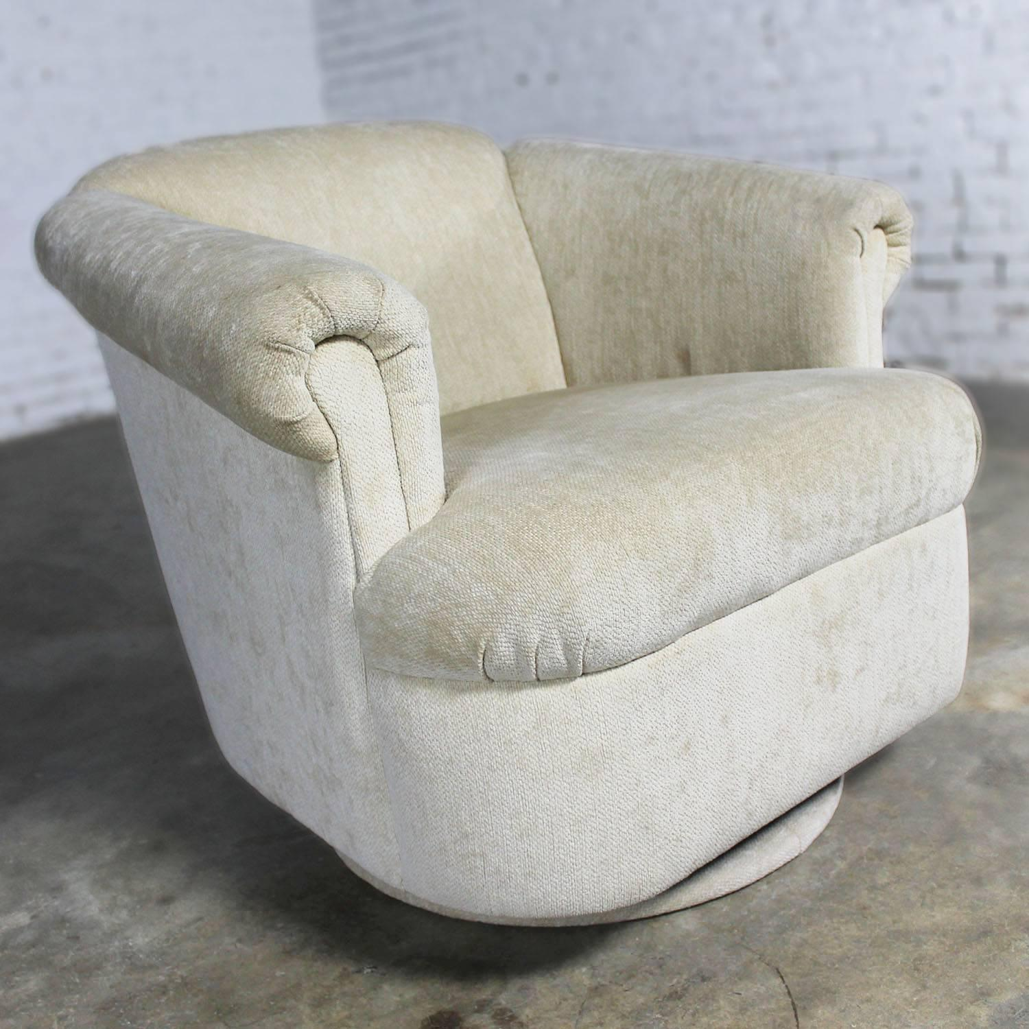 Barrel Shaped off White Vintage Swivel Club Chair with