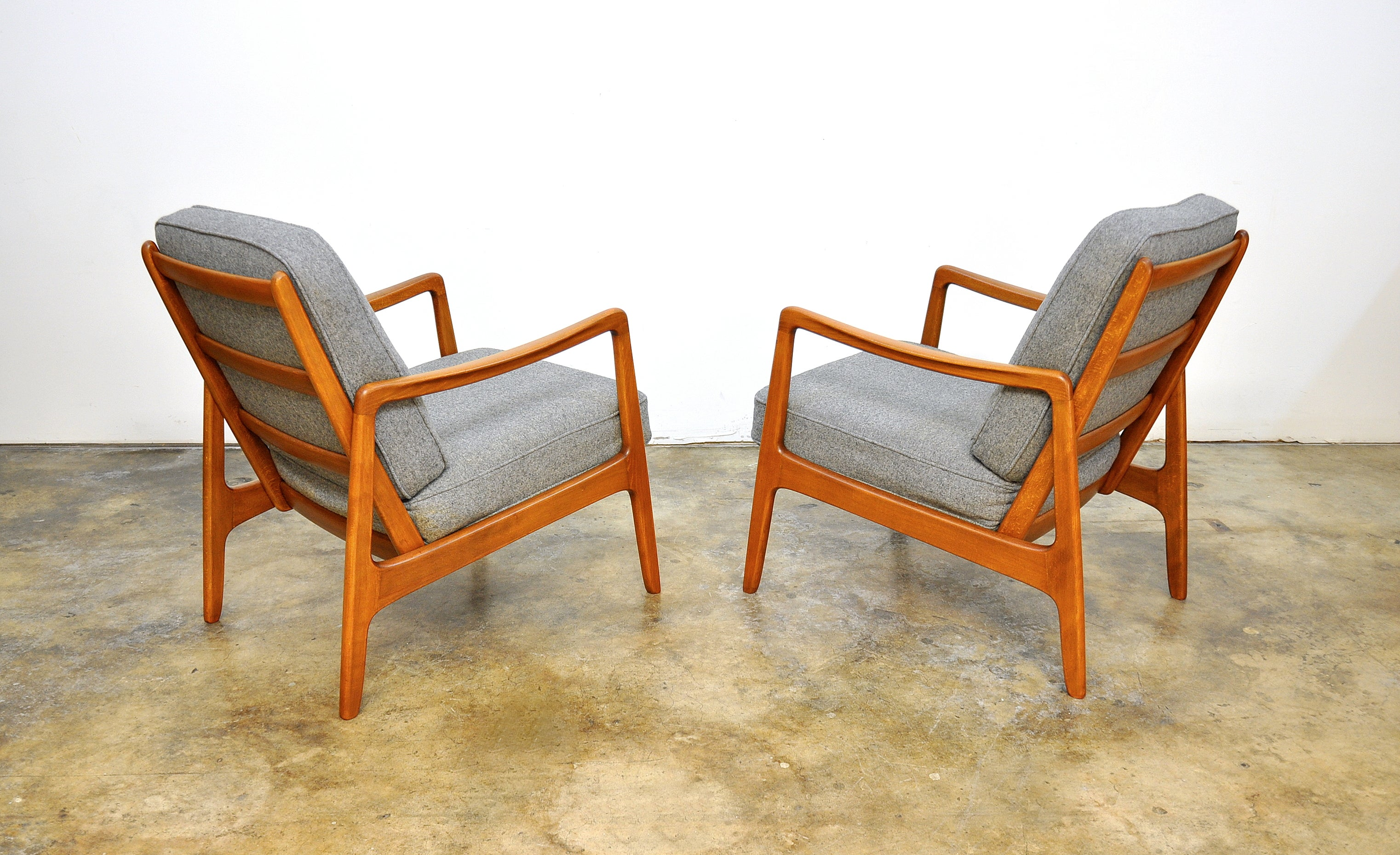 Chairs With Ottoman Early Pair Of Ole Wanscher Model 109 Lounge Chairs And Ottoman