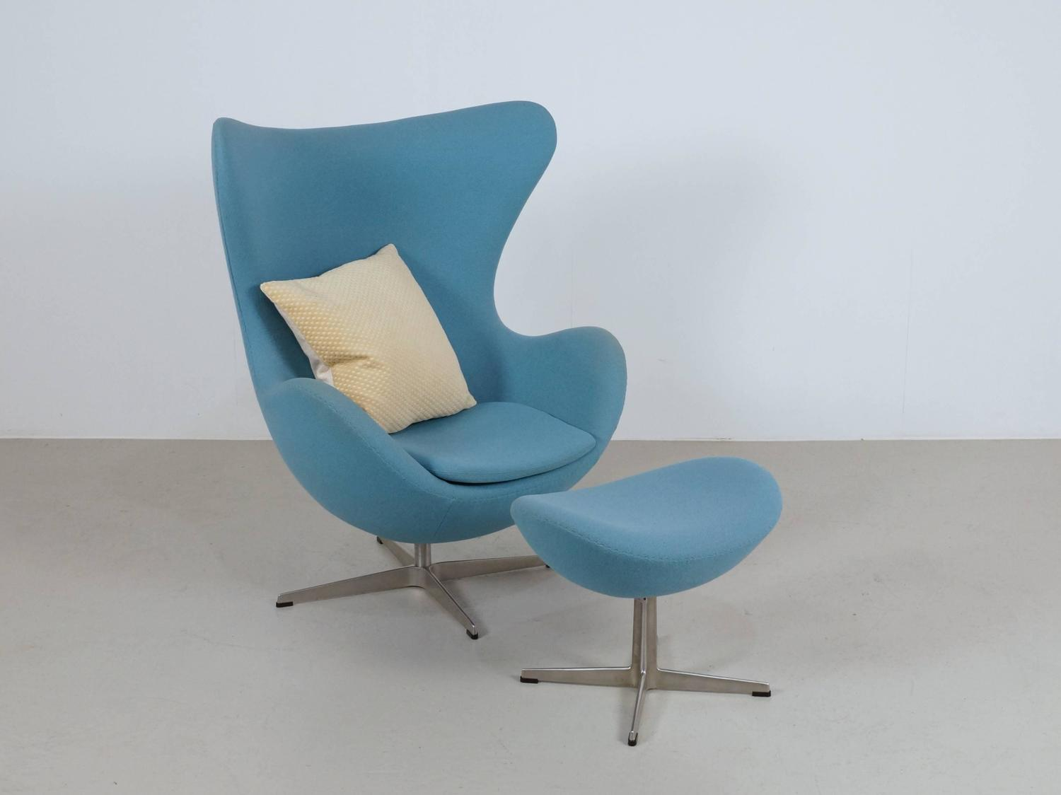 blue egg chair desk no wheels arne jacobsen