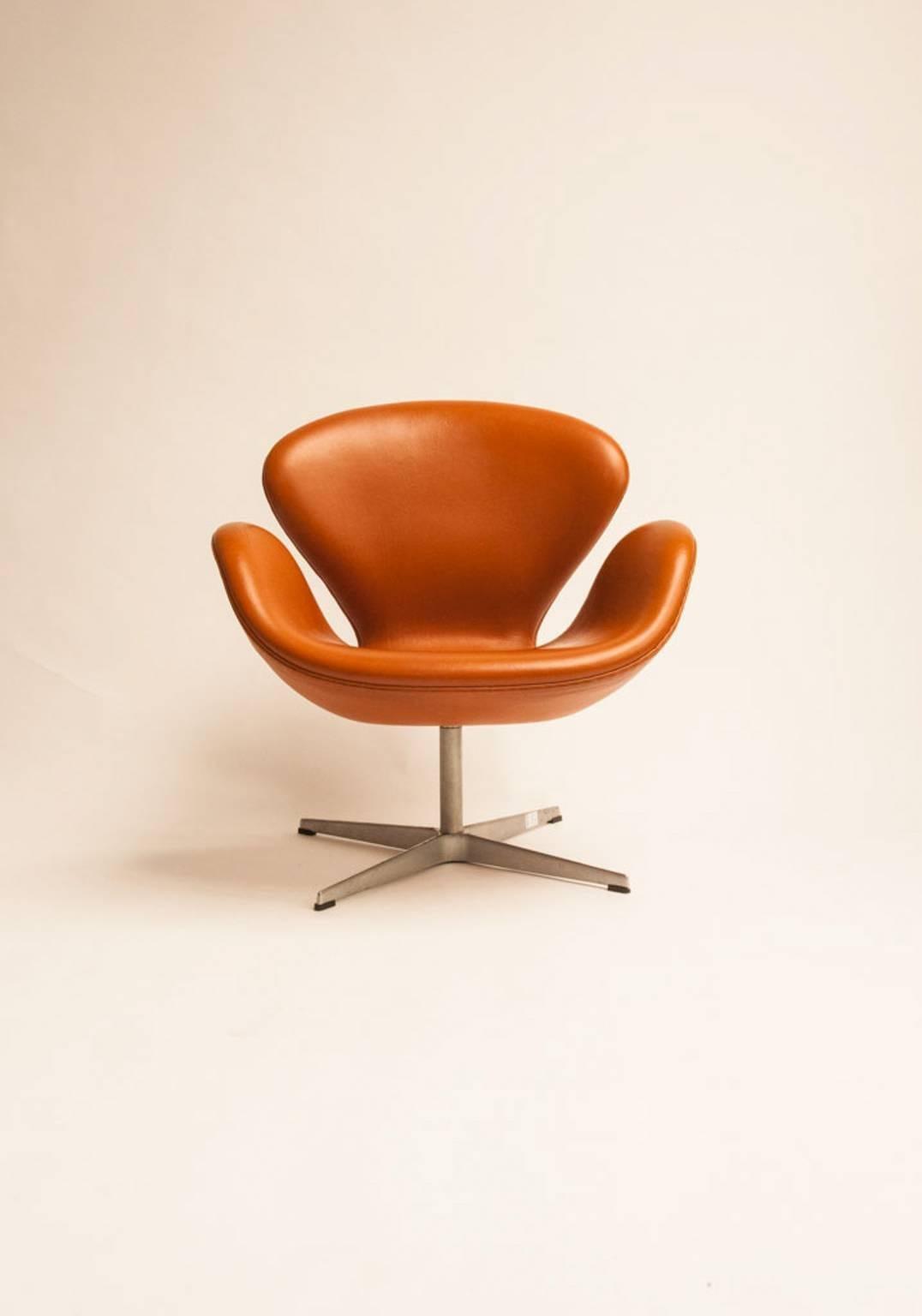 arne jacobsen swan chair vs stool by for sale at 1stdibs scandinavian modern