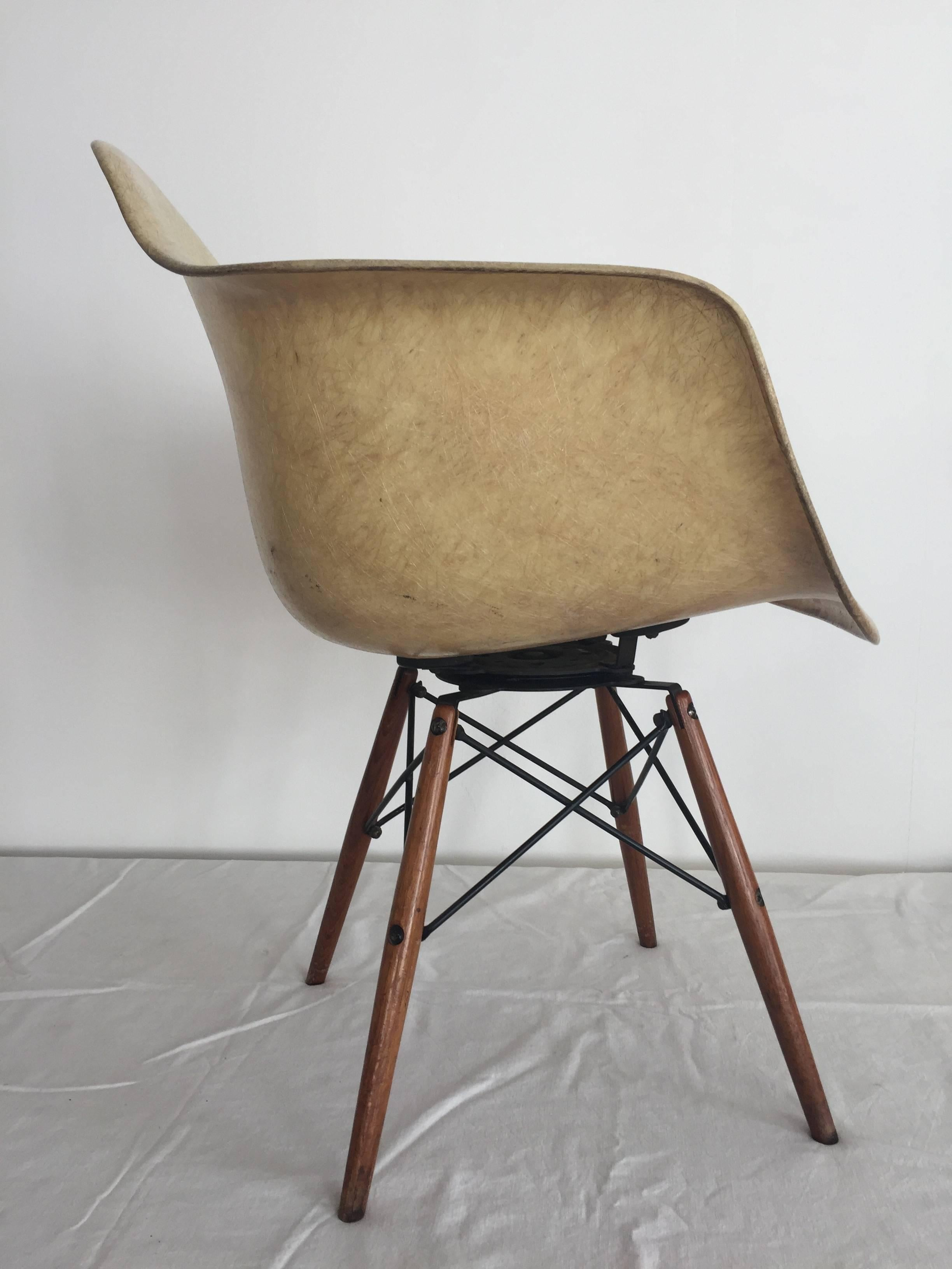 seng chicago chair dinning room chairs first edition charles eames paw swivel fibreglass shell dowel production generation 1949 1950 zenith herman miller rope