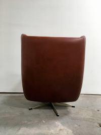 Mid-Century Danish Modern Swivel Chair For Sale at 1stdibs