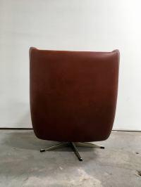 Midcentury Danish Modern Swivel Chair For Sale at 1stdibs