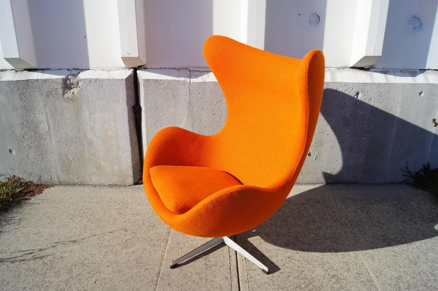 orange egg chair baby folding with tray by arne jacobsen for fritz hansen sale at