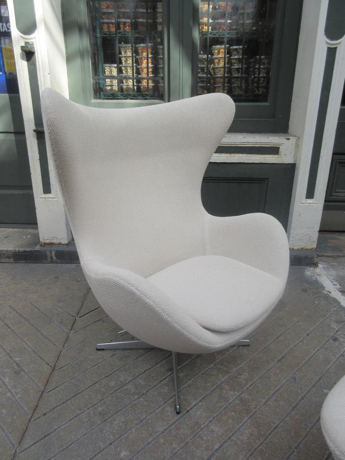 Knoll Egg Chair Arne Jacobsen Egg Chair And Ottoman By Fritz Hansen For