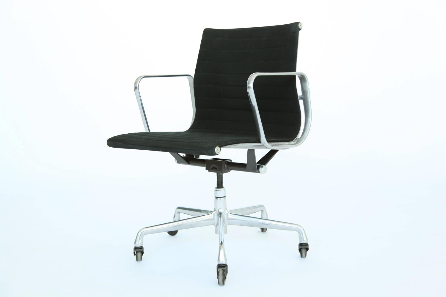 conference chairs for sale revolving chair manufacturers in coimbatore eames aluminum group desk at 1stdibs