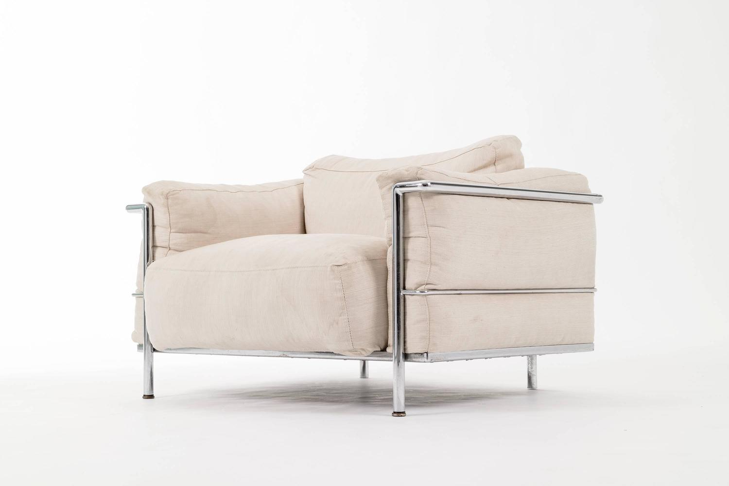 corbusier lounge chair ergonomic footrest le lc3 quotgrande quot for sale at 1stdibs