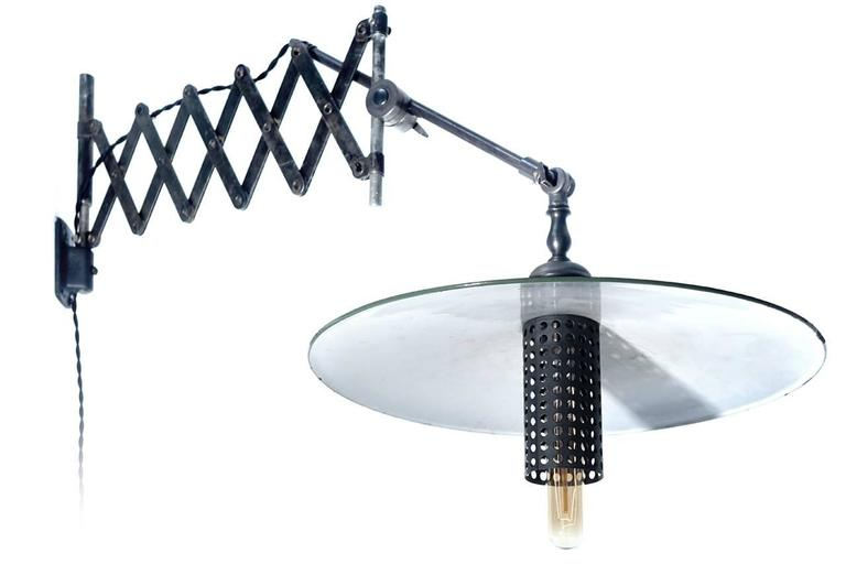 Articulated Scissor Desk Lamp For Sale at 1stdibs