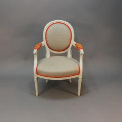 Hickory Chair Louis Xvi Revolving Buy Online India Style Painted Quotmedaillon Quot Armchair For Sale At