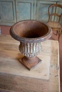 Antique English Cast Iron Urn 1stdibs