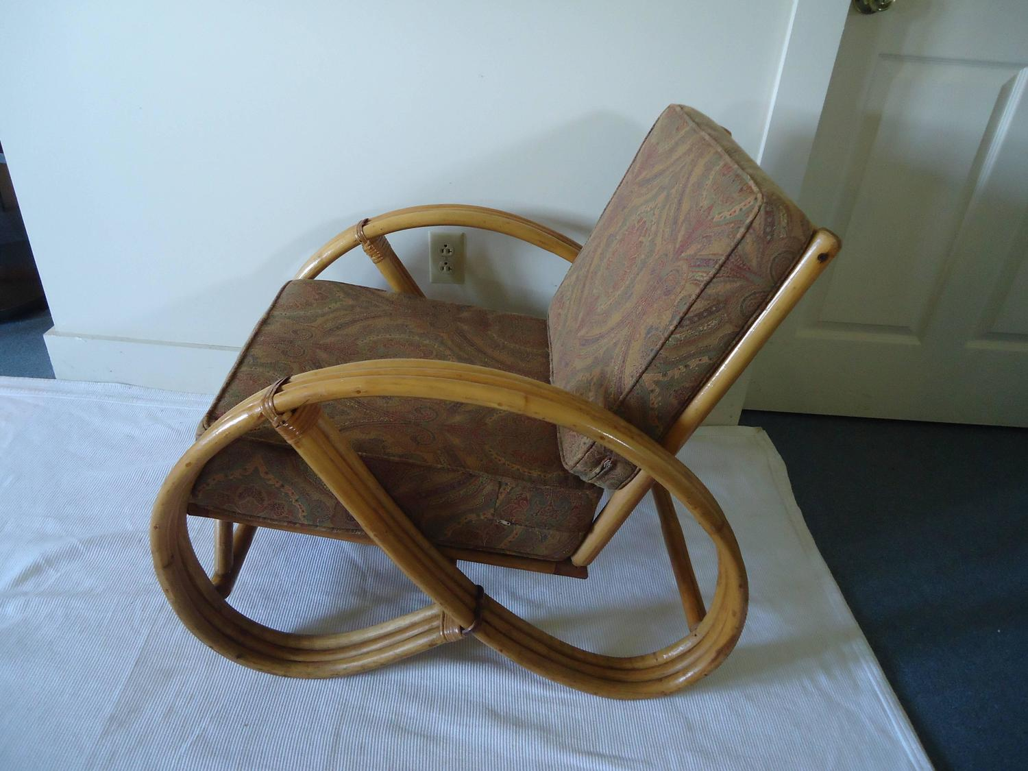 Pretzel Chair Set Of Four Vintage Rattan Pretzel Chairs At 1stdibs