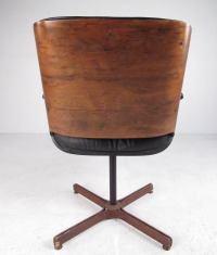 Mid-Century Modern Swivel Leather Armchair For Sale at 1stdibs