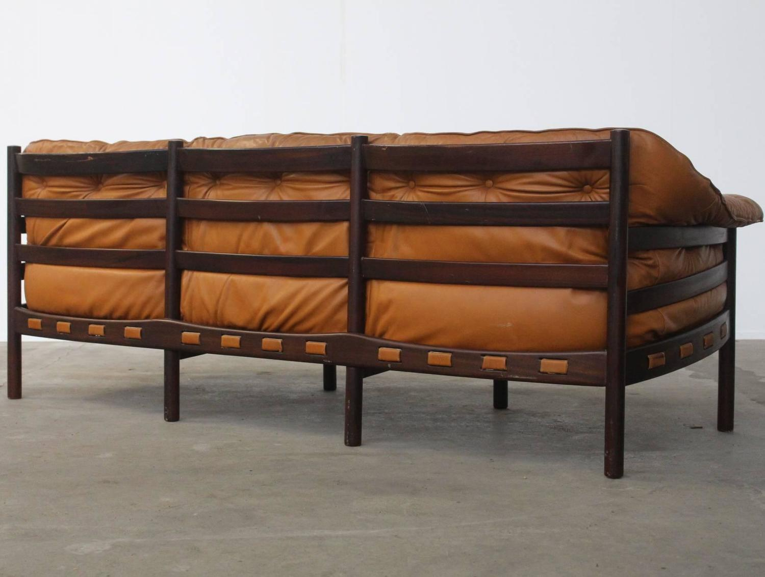camel tufted sofa chaise sofas y sillones conforama leather colored three seat arne norell