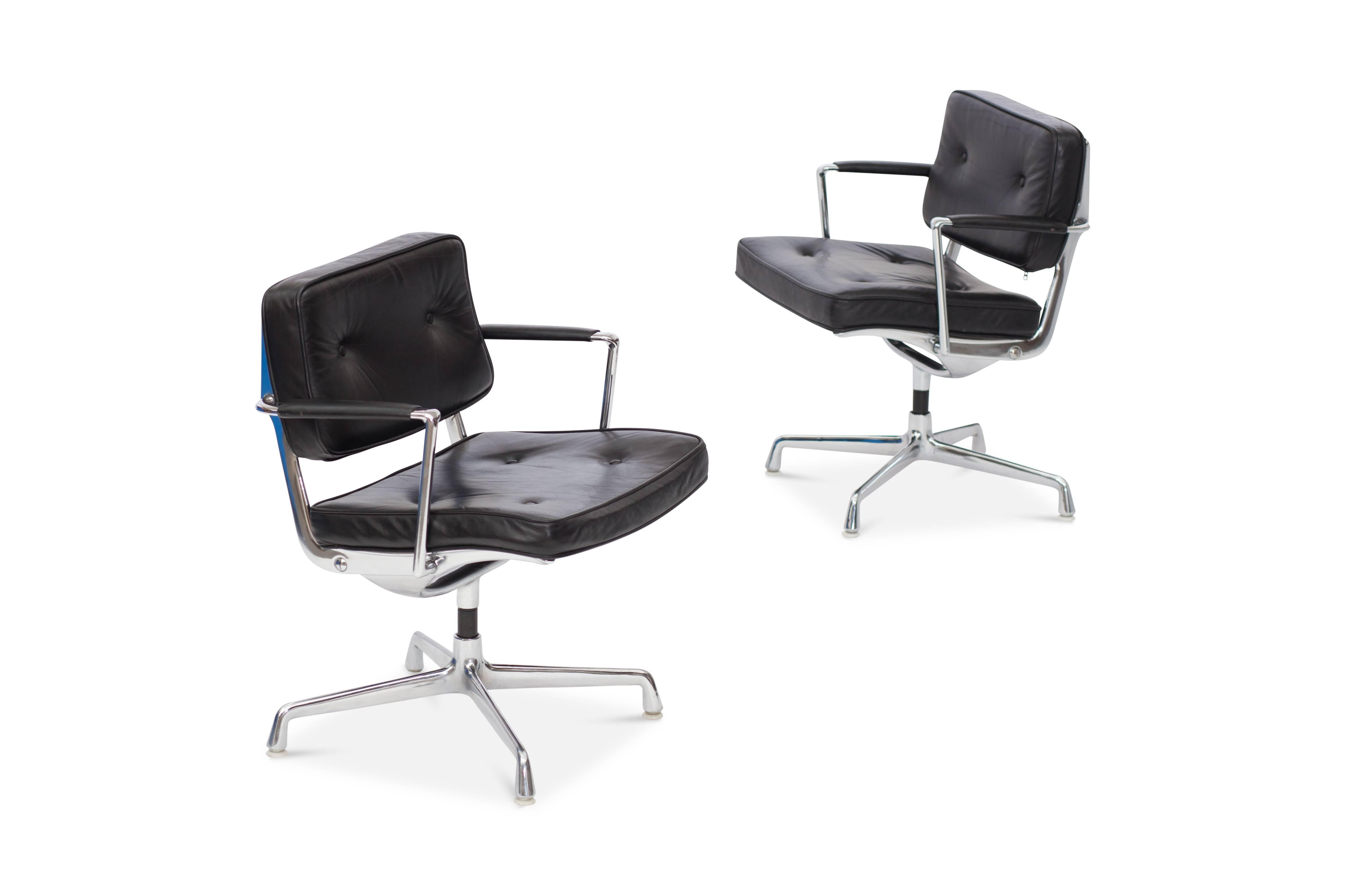 black eames chair fabric for reupholstering dining chairs intermediate desk in leather 1968 at 1stdibs charles and ray upholstery cast aluminum frame introduced