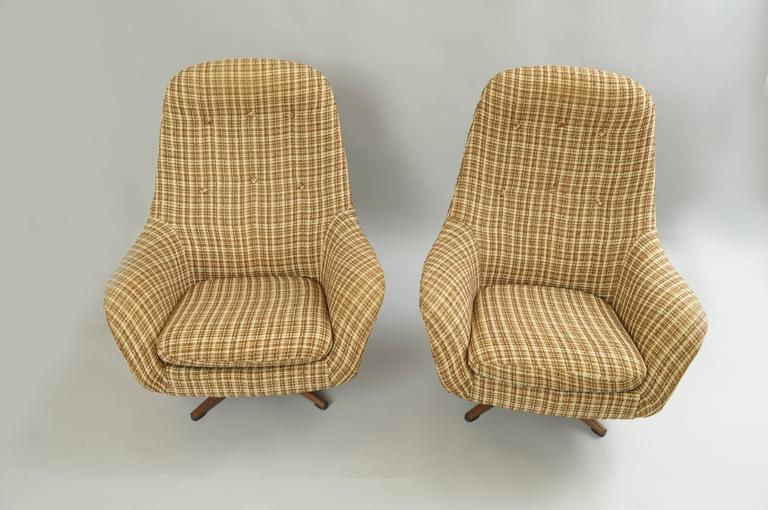 Pair of Swedfurn MidCentury Modern Pod Swivel Lounge