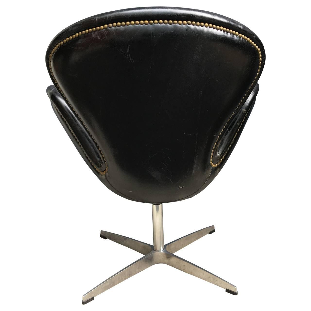 arne jacobsen swan chair french style leather at 1stdibs