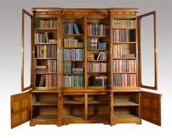 Large Oak Four Door Bookcase For Sale at 1stdibs