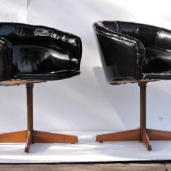 Swivel Pod Chair Desk Runner Sleek Chairs At 1stdibs