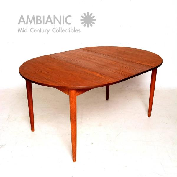 Round Oval Dining Table