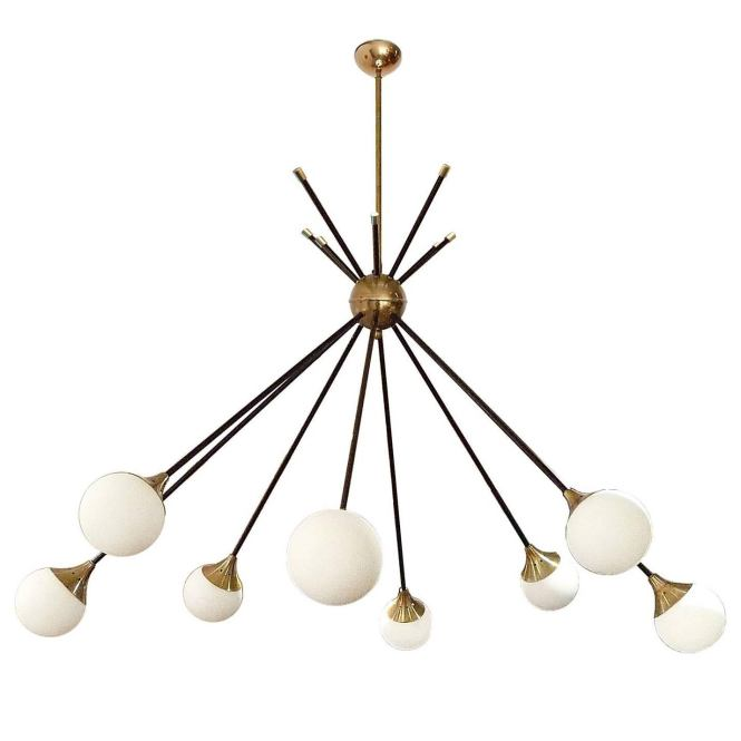 Very Elegant Eight Light Italian Chandelier In The Style Of Stilnovo For