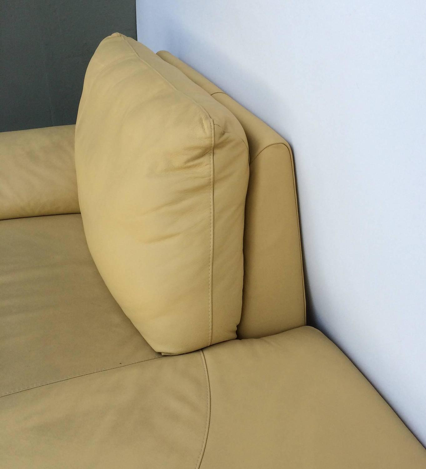 Overstuffed Armchairs For Sale Nicoletti Leather Chaise Lounge For Sale At 1stdibs