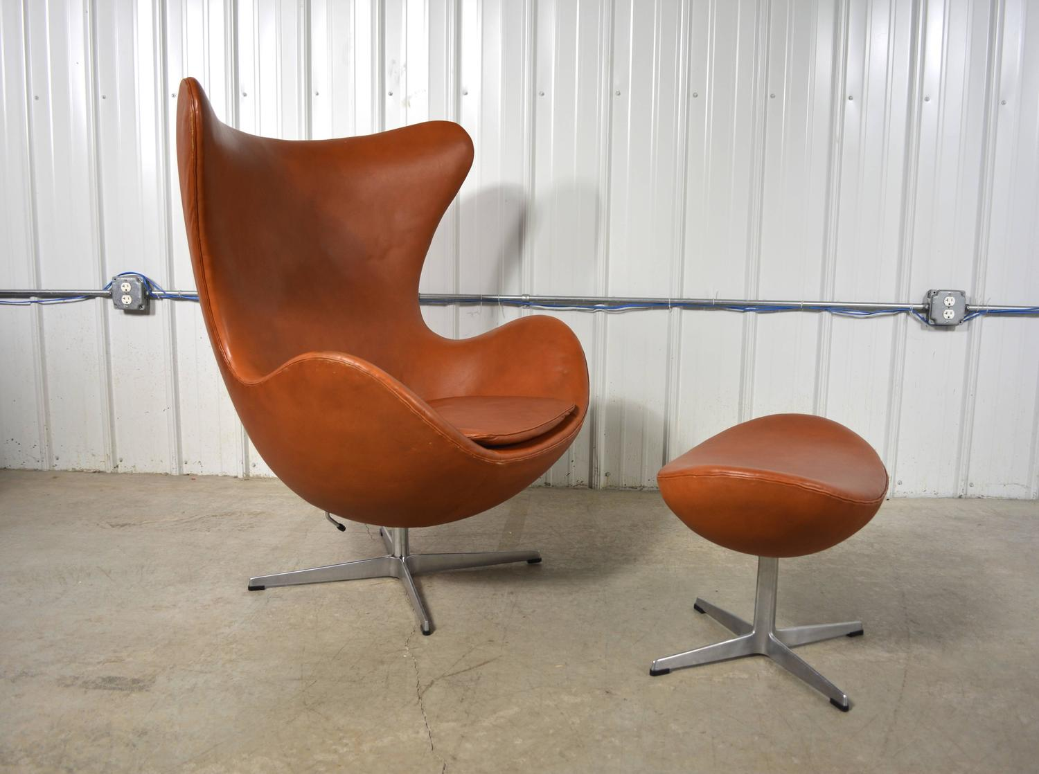 jacobsen egg chair leather wedding covers pinterest arne and ottoman at 1stdibs