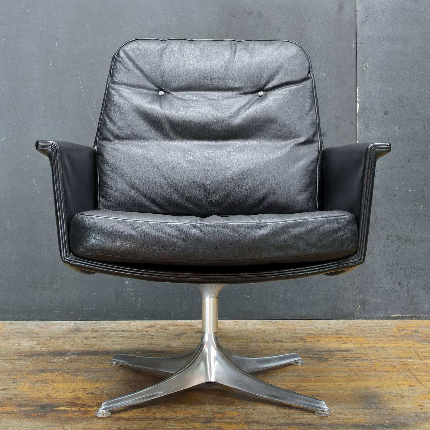 black leather swivel lounge chair kitchen tables and chairs for small spaces by horst bruning cor