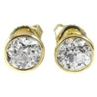 1.46 Carat Diamond Gold Stud Earrings at 1stdibs