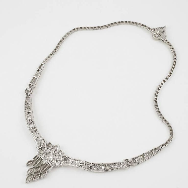 1920's Art Deco Diamond and Platinum Necklace For Sale at