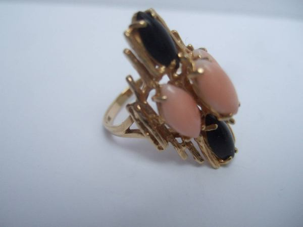 Angel Skin Coral And Jet Stone 14k Ring Size 7.25