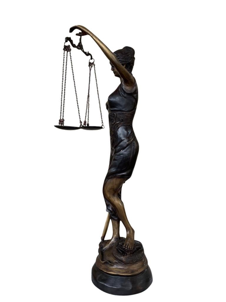bronze lady justice statue