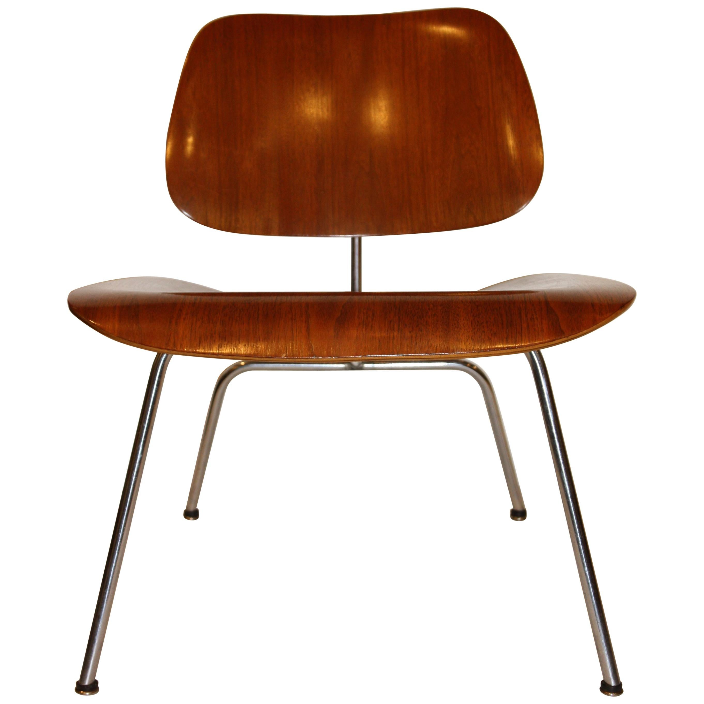 Eames Chair Repair Charles And Ray Eames Lounge Chairs 131 For Sale At 1stdibs