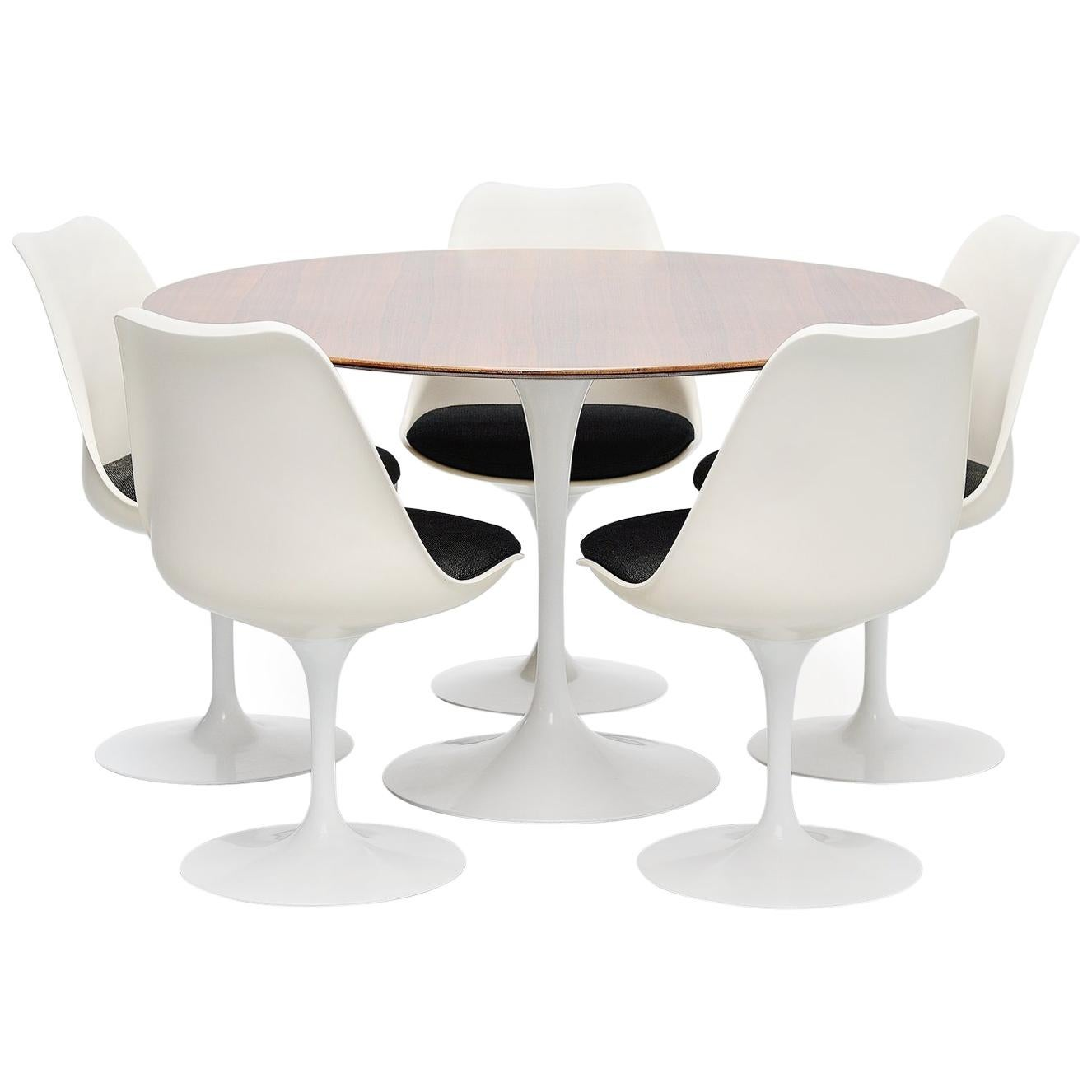 tulip table and chairs chair girls room eero saarinen set knoll international 1956 at 1stdibs for sale