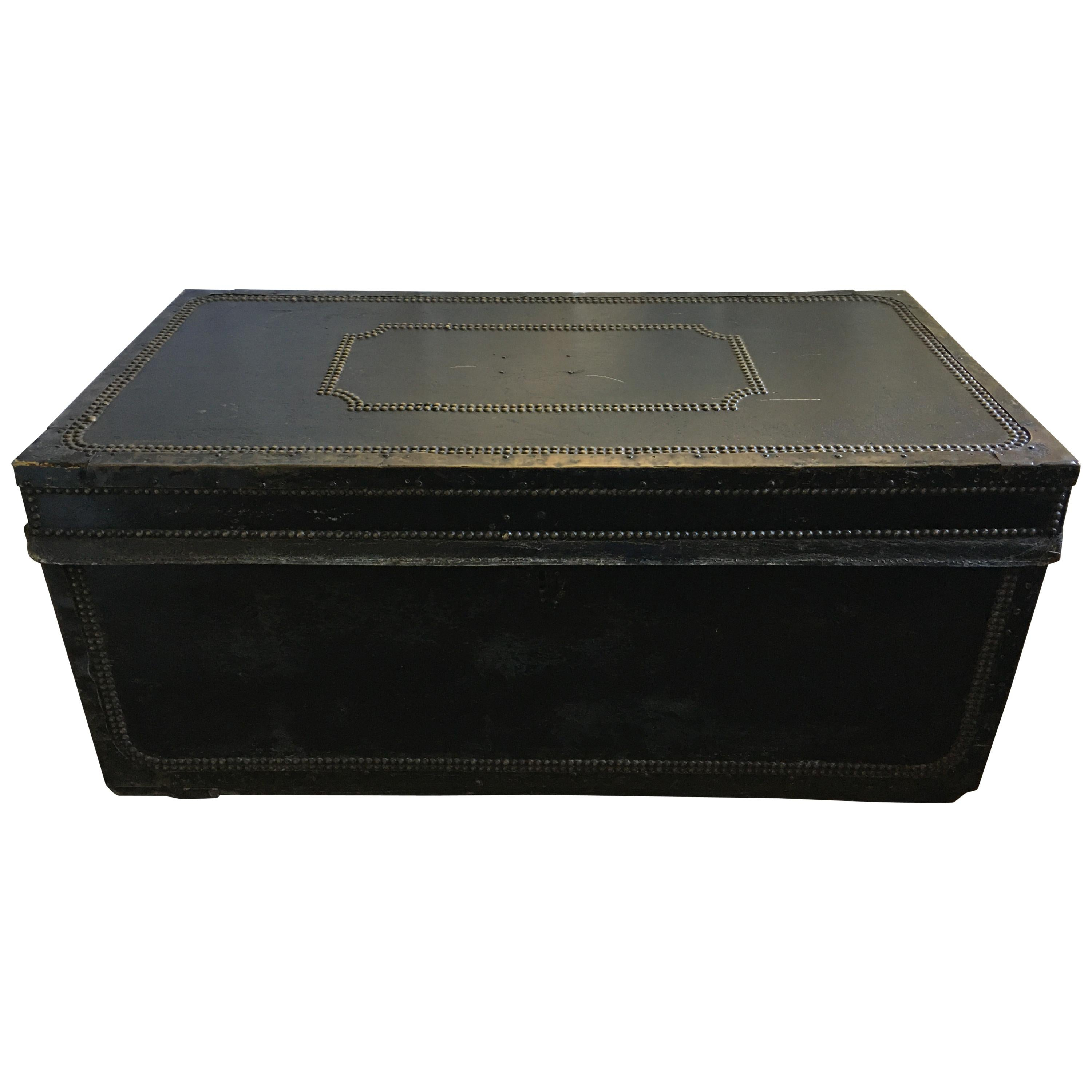 English Regency Traveling Metal Trunk With Decorative Nail Heads 19th Century For Sale At 1stdibs