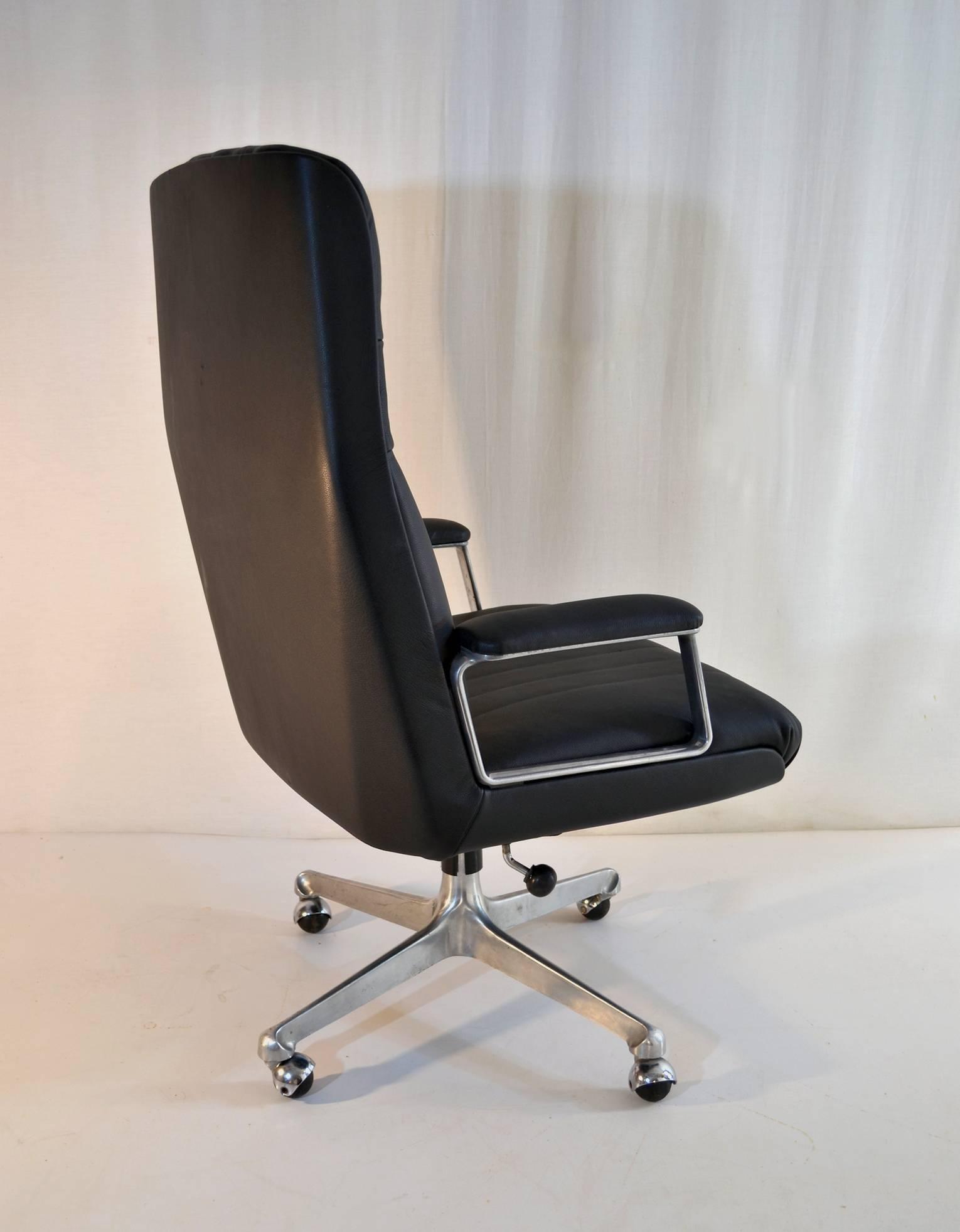 modern executive office chair lazy boy desk p128 by osvaldo borsani for tecno at 1stdibs mid century sale